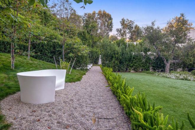 SenProperties-Beverly-Hills-Garden.jpg