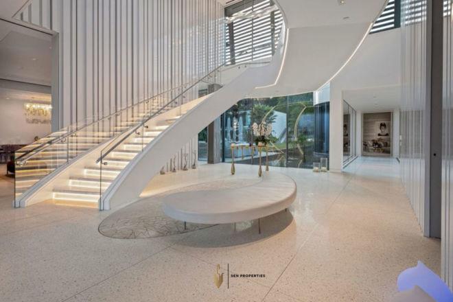 SenProperties-Beverly-Hills-Lobby